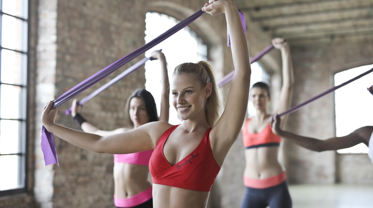 women working out to lose weight and tone up the body